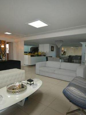 Cobertura Luxuosa com 400 metros quadrados com 4 suítes com 4 vagas na Madalena - Recife - PE