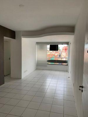 Apartamento - Venda com 69 metros quadrados com 2 quartos com 1 vaga na Torre - Recife - PE